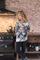 Essenza Sweater Spinel sfeer 2